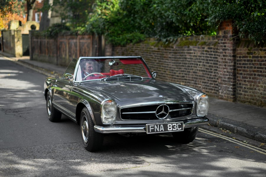 1965 Mercedes-Benz 230 SL Pagoda